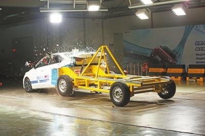 碰撞试验2.5万次,为汽车安全保驾护航——记渝北区十大杰出青年群体长安汽车碰撞试验开发团队