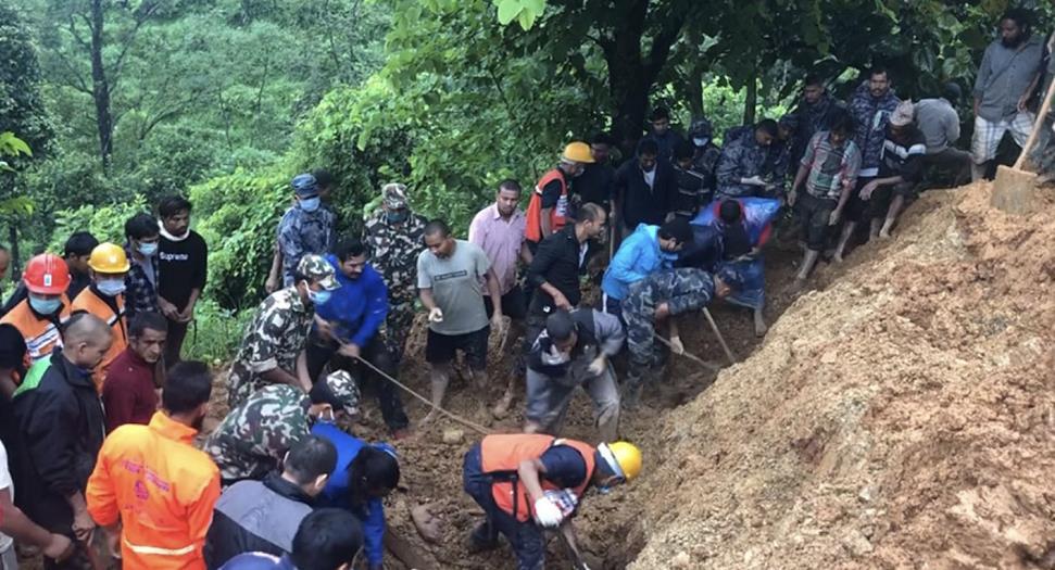 尼泊尔中西部地区山体滑坡已致10人死亡