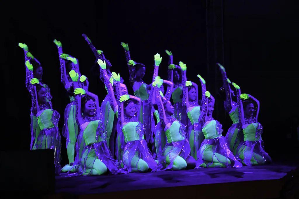 全球天大校友相约!共唱一首歌,同跳一支舞!图片