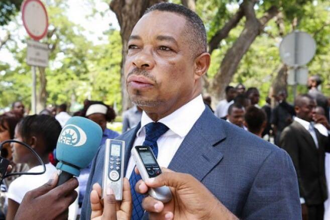 安哥拉内政部长新冠病毒检测呈阳性