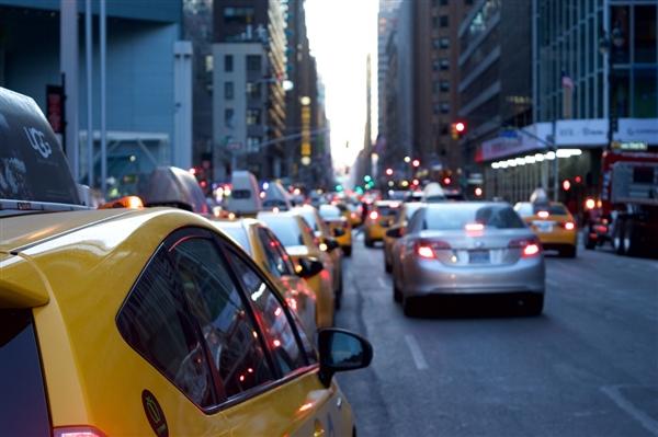 滴滴柳青:无人驾驶技术能让交通事故降低甚至消失