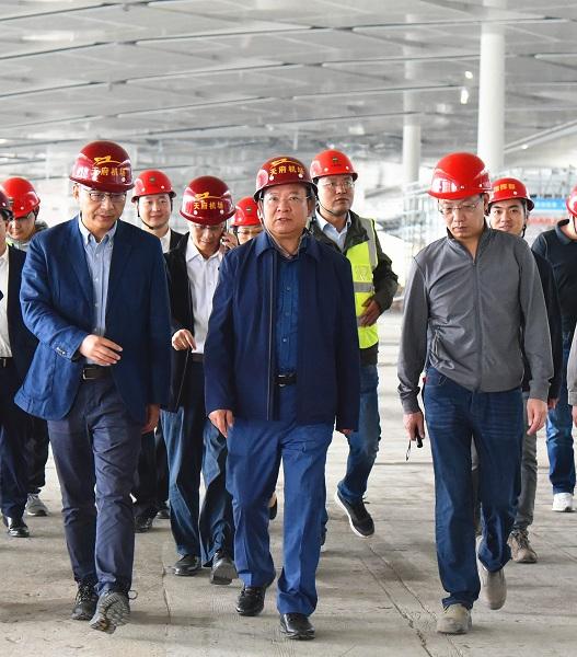 杨洪波副省长赴成都天府国际机场调研机场建设工作并主持召开双月调度会图片