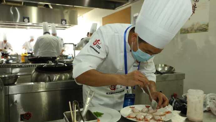 长三角总厨中式烹饪哪家强,32位总厨和高职教师齐聚青浦激烈角逐图片