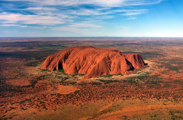 澳大利亚要求谷歌地图移除乌鲁鲁山顶照