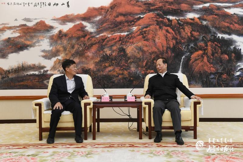 石泰峰会见昆山科腾生物科技有限公司董事长鲁茂龙图片