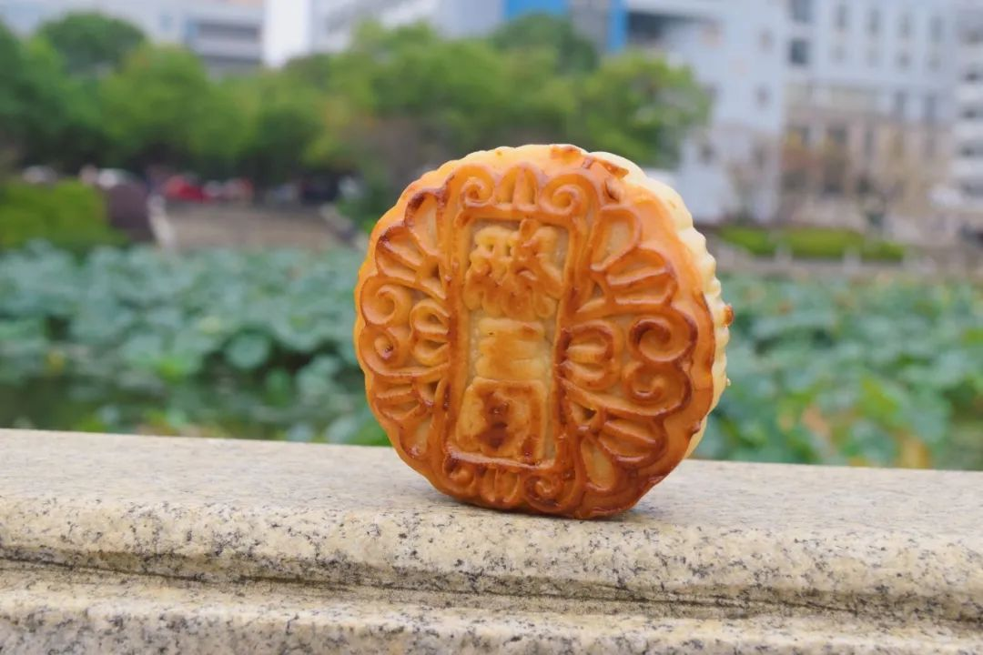 """迎国庆贺中秋,你""""光盘""""我送月饼!"""