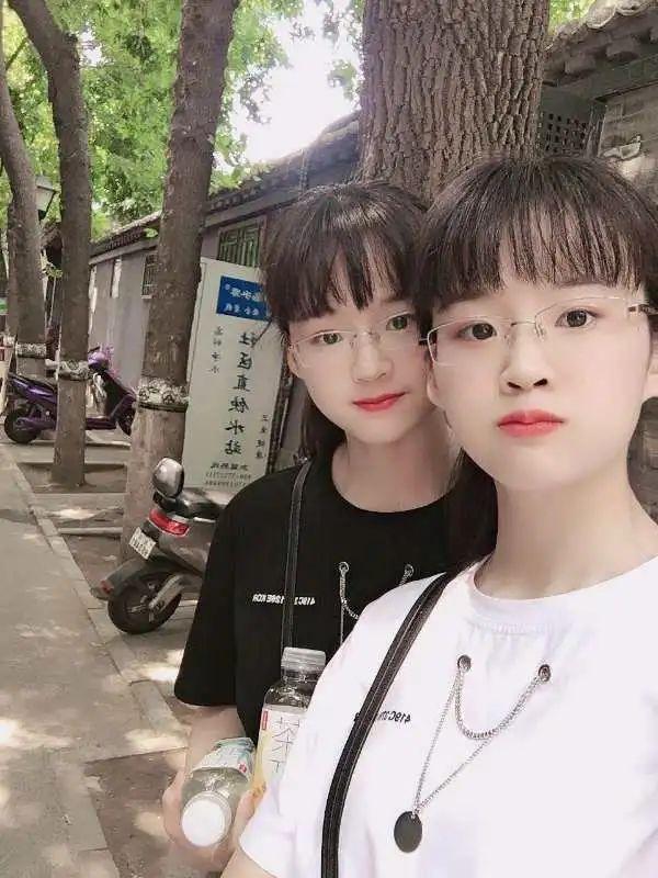 慕了,复制粘贴!相差8分的双胞胎姐妹一起选择江南!