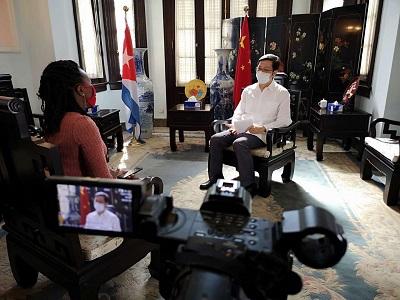 驻古巴大使陈曦接受古国家电视台加勒比频道专访