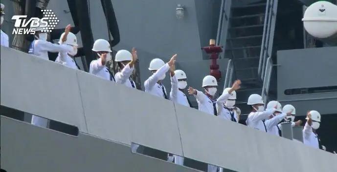 这个自知得罪了中国的国家,求美国驻军保护