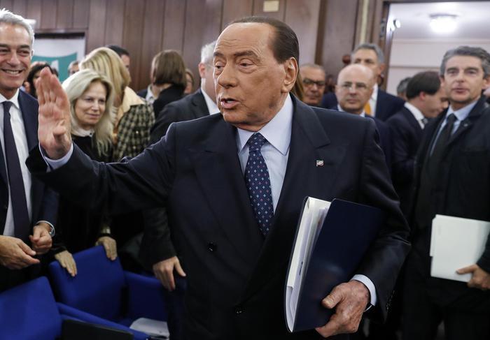 意大利前总理贝卢斯科尼因新冠肺炎入院检查