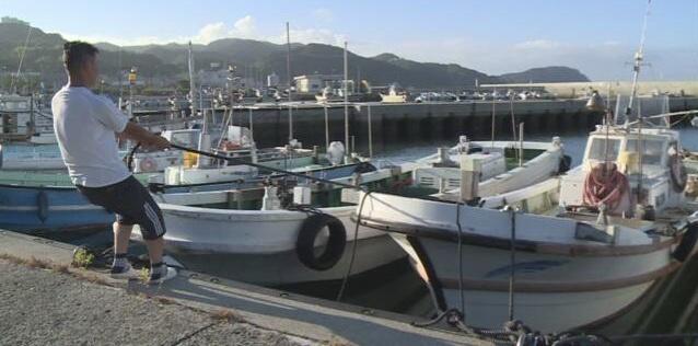 """日本各地加紧提前应对10号台风""""海神"""""""