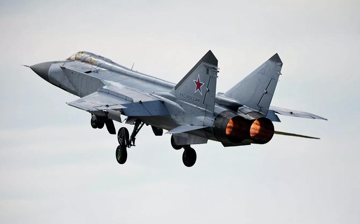 俄罗斯战机在巴伦支海拦截北约军机