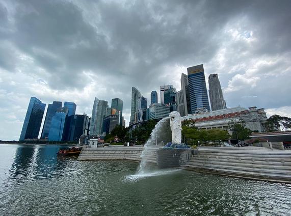 新加坡经济师调查报告预测新加坡经济全年萎缩6%