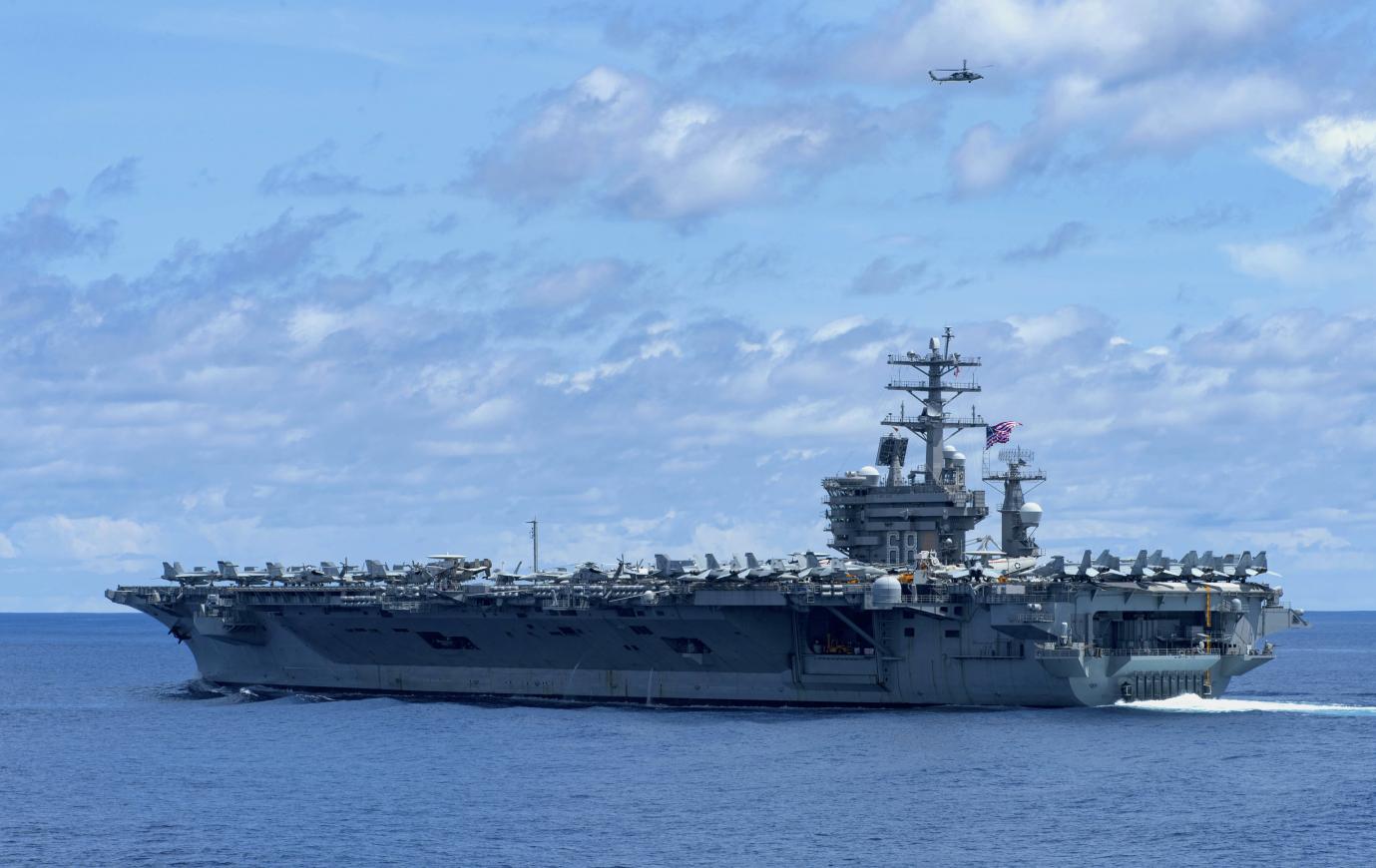 美国尼米兹号航母一名舰员失踪 事发地靠近伊朗