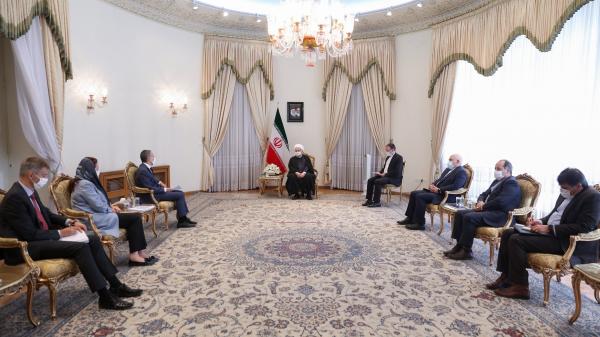 △伊朗总统鲁哈尼与瑞士外长卡西斯会晤现场,图片来源:伊朗总统办公室