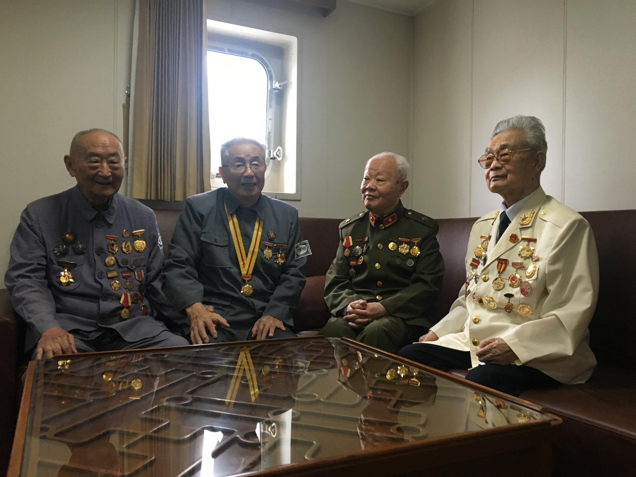 除了日行四千步,96岁老兵用另一个爱好,总结出一生的做人做事感悟