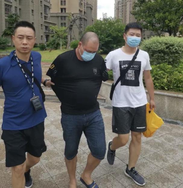 涉案1.3亿!陕西汉中警方破获一起特大非法经营烟草案图片