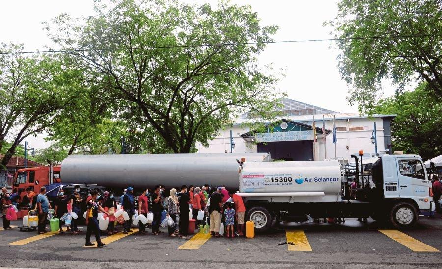 马来西亚污染水源致停水地区已有95%恢复供水