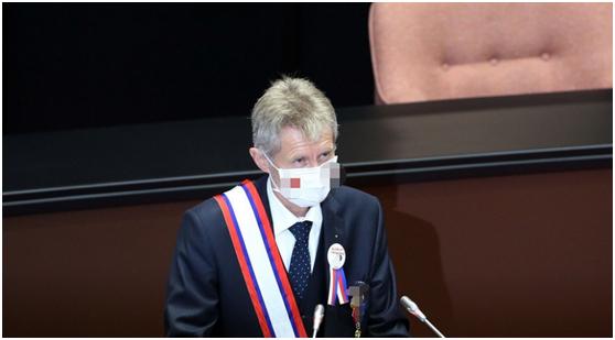 """捷克议长""""回国就翻脸"""" 岛内网友:骗子又被骗子骗了"""