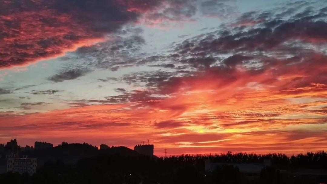 绝美天空刷屏!一起看山师的晚霞灿然