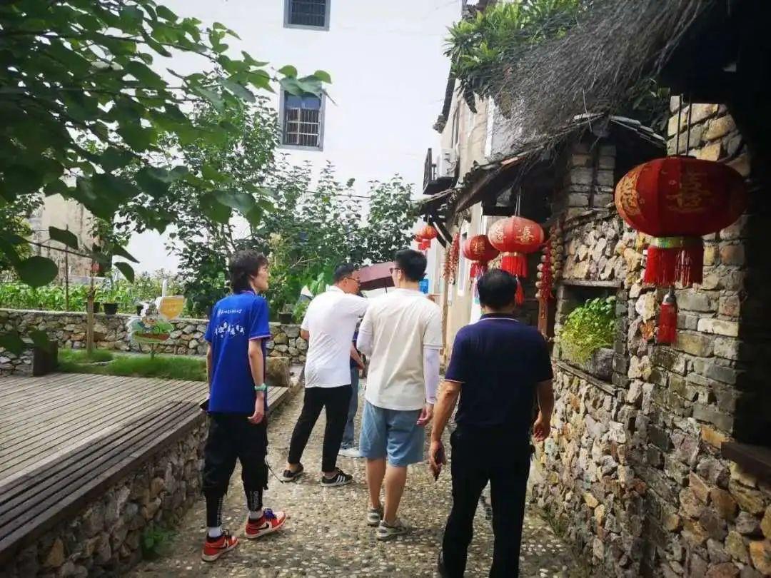 """杭电15名大学生测遍衢州乡村信号 呼吁""""信号强才能乡村强""""图片"""