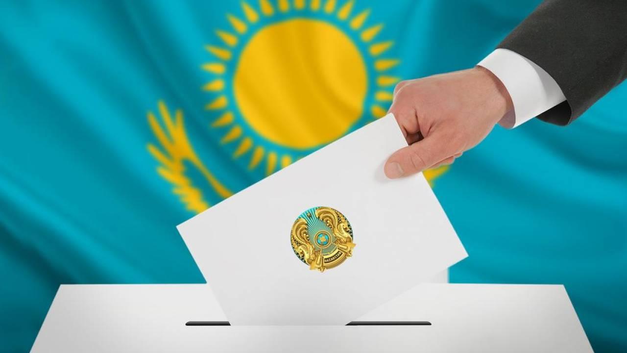 哈萨克斯坦举行议会下院选举投票