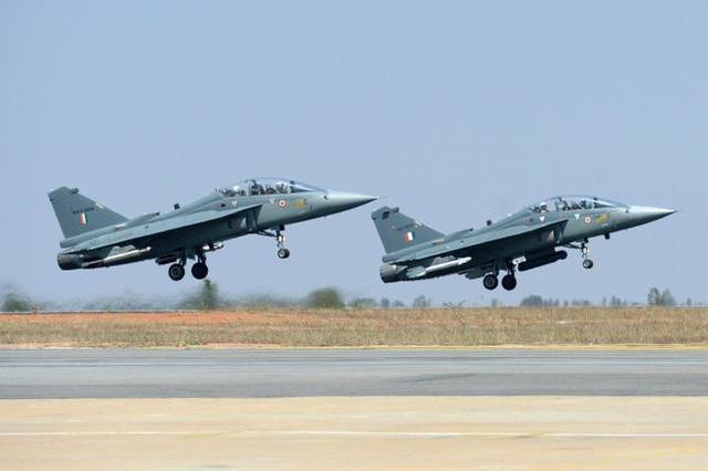 印度空军参谋长称LCA比中巴合研的JF-17强的多
