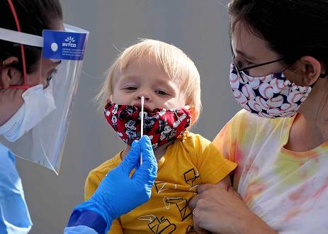 美国儿科学会:美国累计超290万名儿童感染新冠病毒