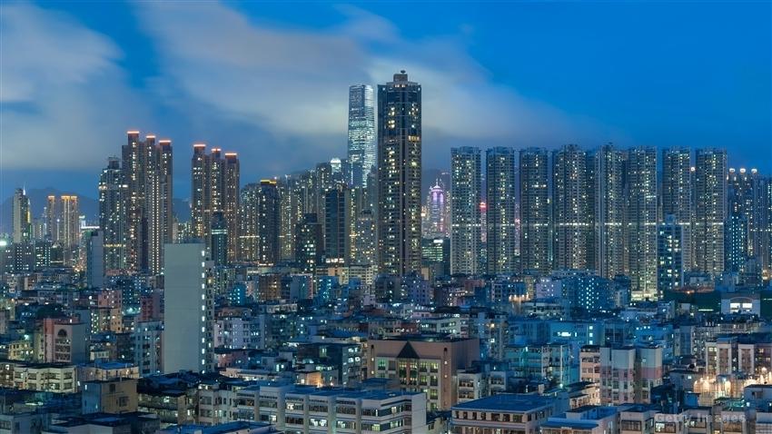 超智能控股(01402.HK)附属向关连方收购互联网数据中心4%股权