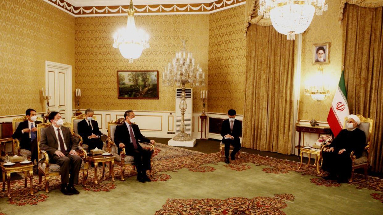 伊朗总统鲁哈尼会见王毅