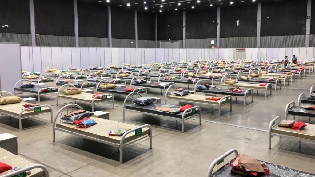 泰国清迈新冠肺炎确诊病例激增 紧急开启方舱医院