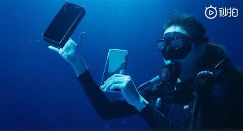 小米11 Ultra首次深水开箱:支持IP68级防尘防水
