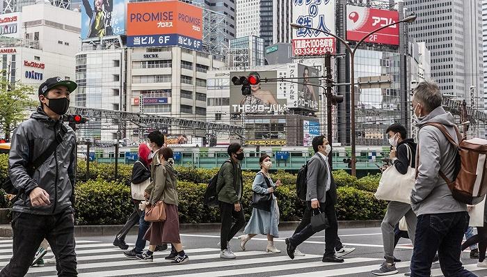 """奢侈品牌正在日本""""抄底"""""""