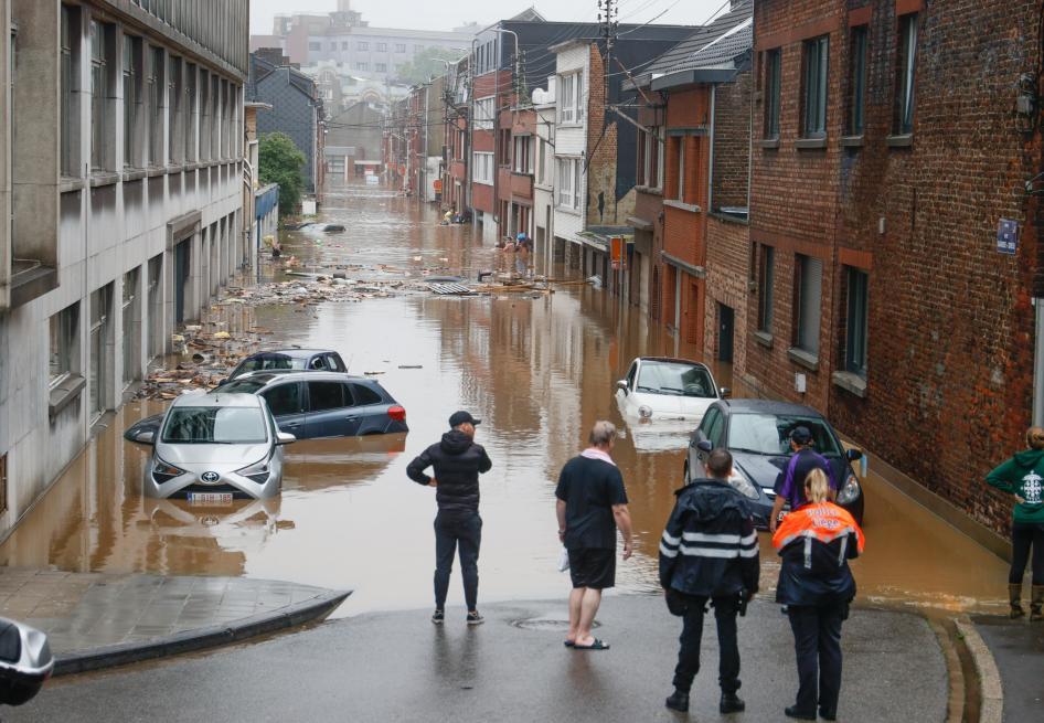 比利时南部洪灾致4人死亡 数十人失踪