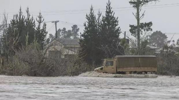 新西兰恶劣天气肆虐 多个城镇被洪水围困