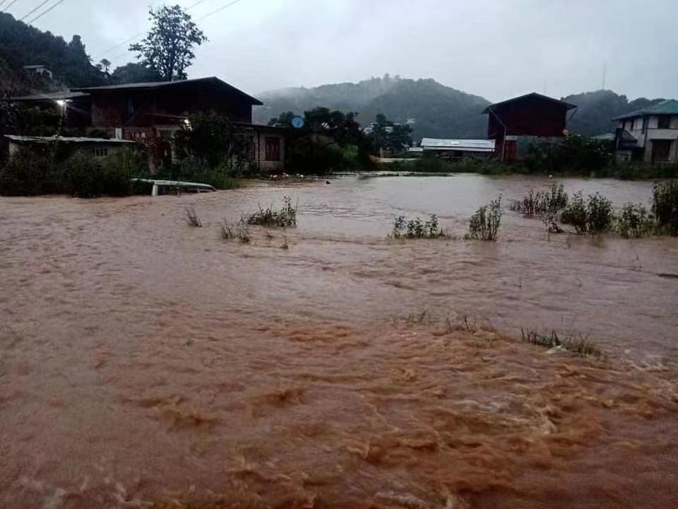 缅甸抹谷暴雨引发洪水及山体滑坡 致3人失踪