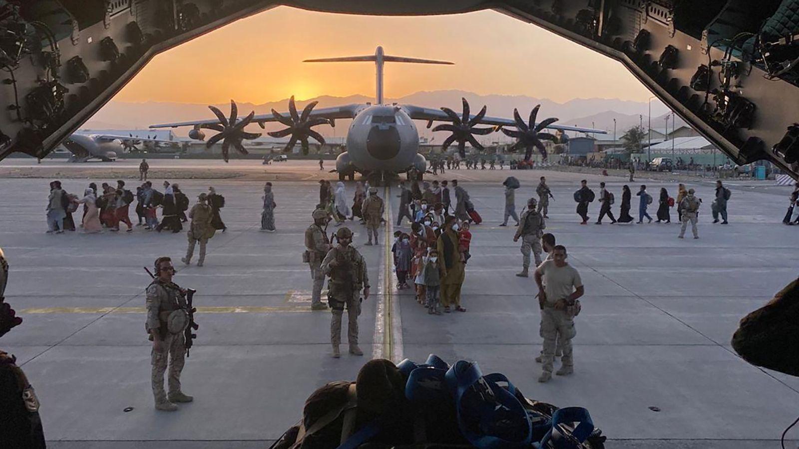 """阿富汗局势""""变天""""后走向何方?"""
