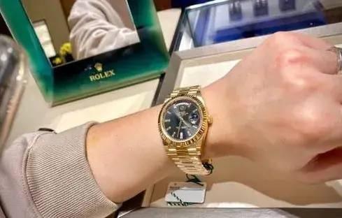 价值40万劳力士手表被调包!义乌一男子报警...