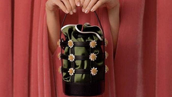 谁说花朵只属于春天?请收好这份秋季花花穿衣指南
