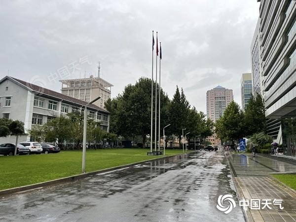 北京昨夜至今晨又现明显降雨 或将影响早高峰出行