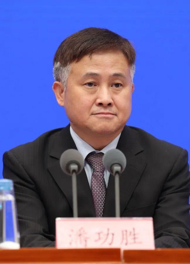"""潘功胜副行长在国新办""""横琴、前海开发建设有关情况""""发布会上答记者问"""
