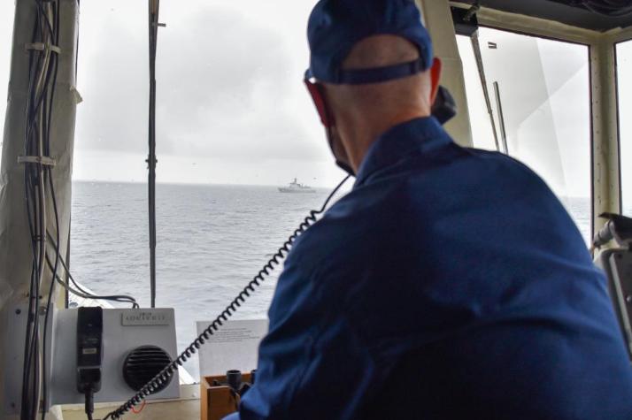 美军重发中国舰队进美专属经济区照片 强调没进美领海