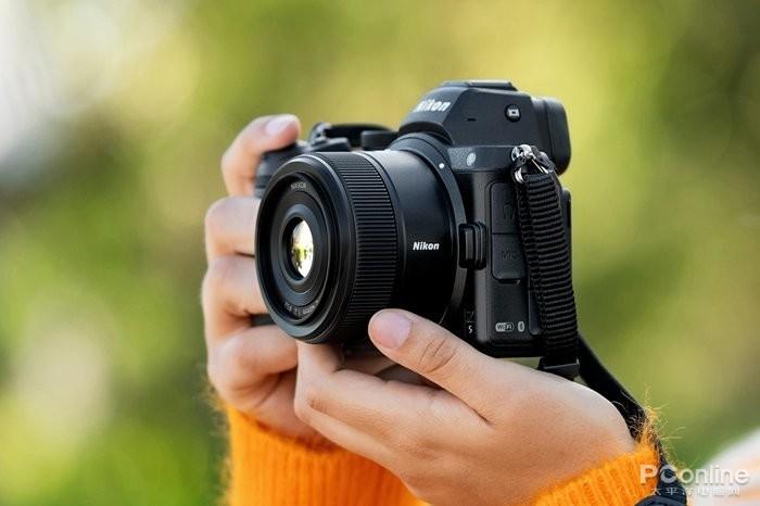 尼康正式发布尼克尔Z 40mm f/2镜头:1799元!