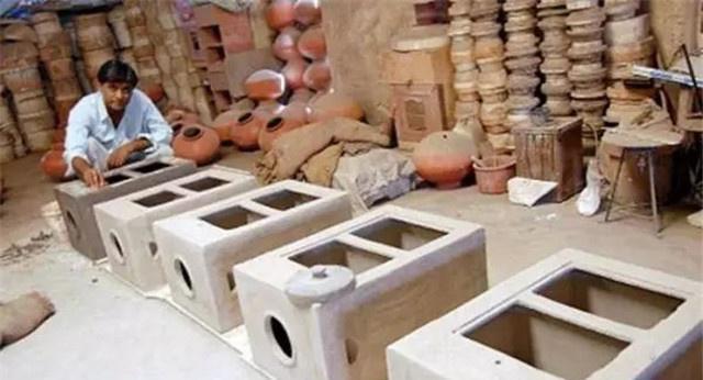 """印度发明""""土制冰箱""""走红网络,节能环保不插电,300一台卖断货"""