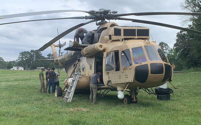 俄制米171在美国农场迫降? 或属隐蔽单位修复后起飞