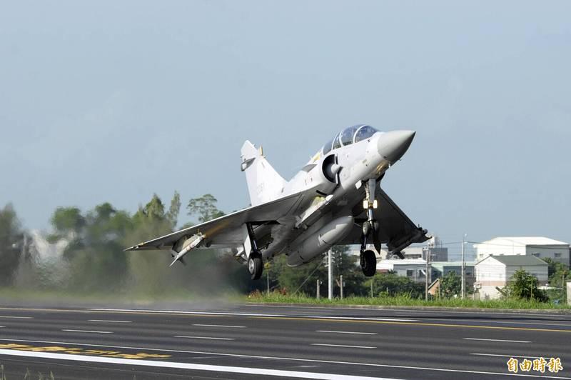 近8亿新台币 台空军与法国签幻影战机技术支援协议