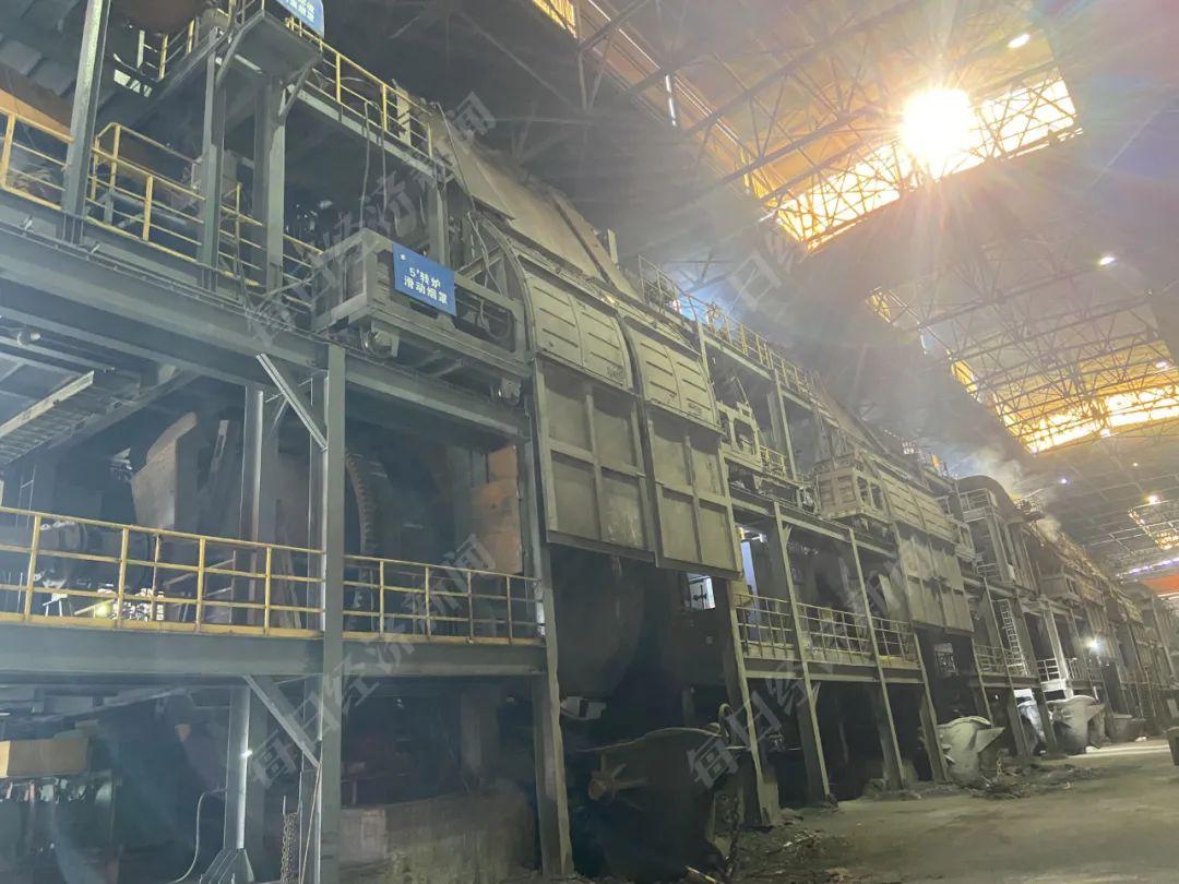 转炉车间厂房设备老旧,封闭效果差