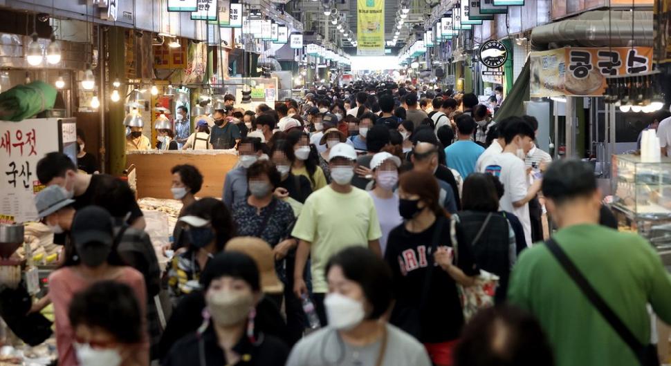 韩国中秋节后疫情恶化:单日新增首超3千 总理感慨
