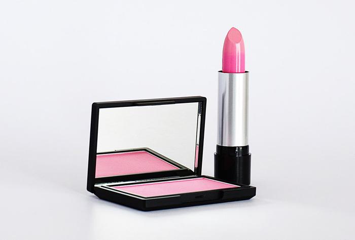 >滚动新闻>正文> [photo/pexel<strong>s</strong>]matte lipsticks 哑光唇膏skincare