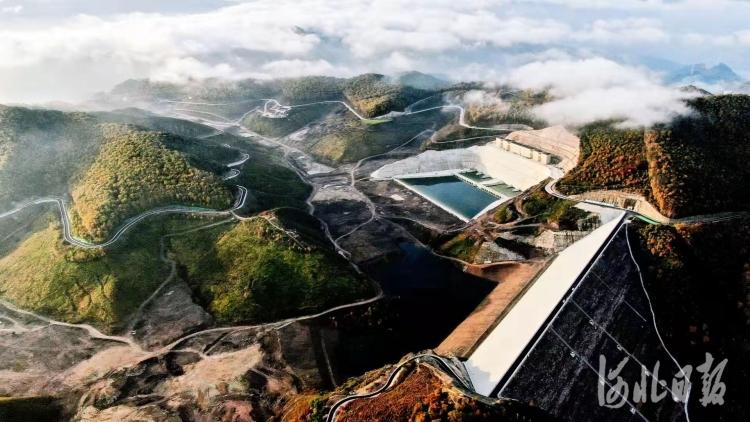 圖為豐寧電站上水庫。